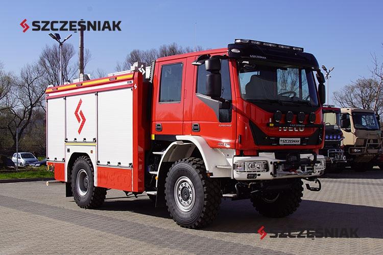 Samochód ratowniczo-gaśniczy RENAULT D16 4×4
