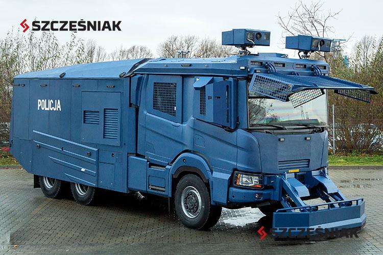 Armatka wodna Scania P450 6x6