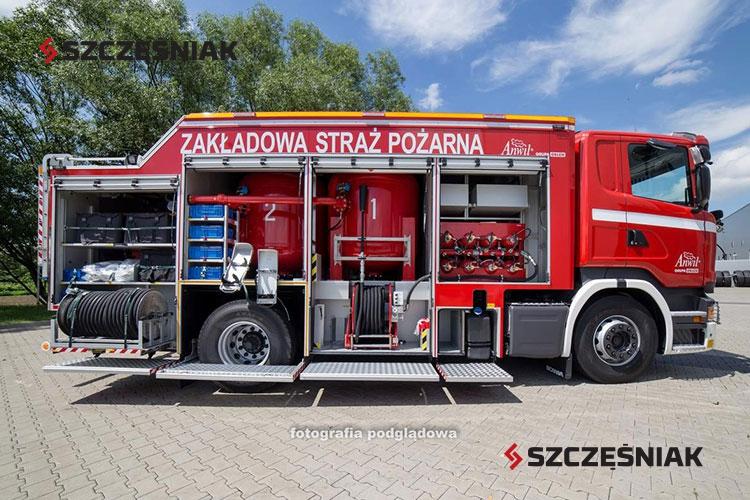 Ciężki samochód proszkowy z modułem CO₂ Scania R370