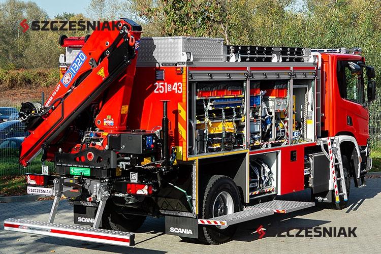 Średni samochód ratownictwa technicznego Scania P450 4x4