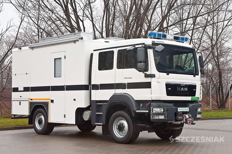 Ciężki Ambulans Pirotechniczny MAN TGM 13.240 4x4