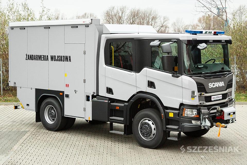 Ciężki Ambulans Pirotechniczny Scania P 4x4