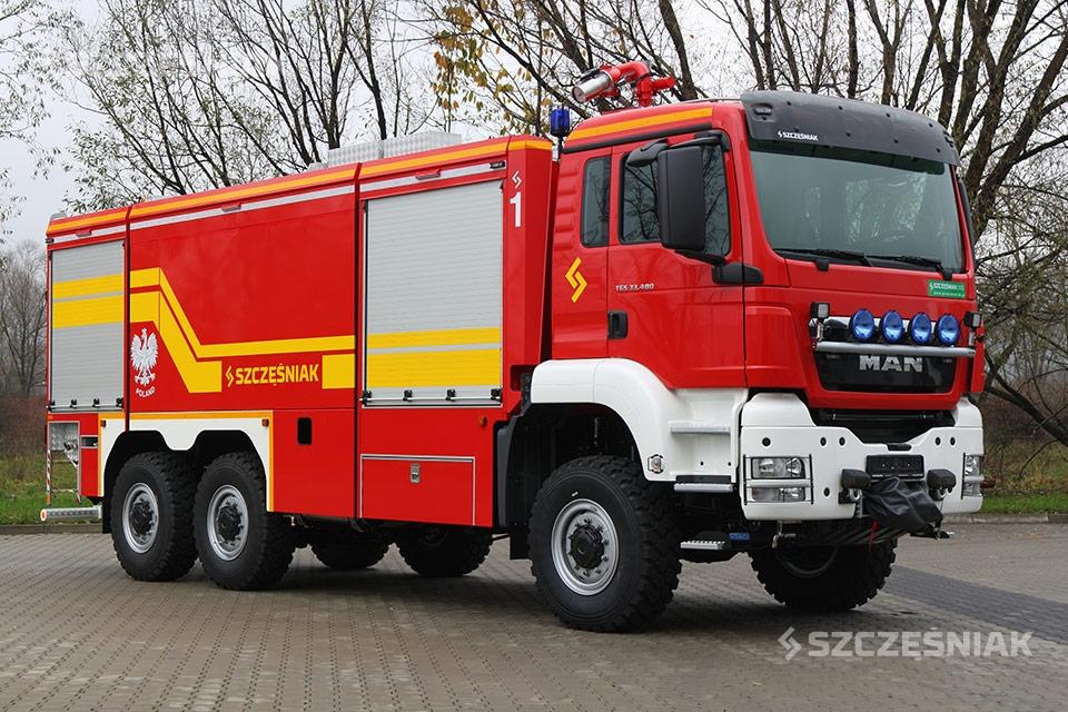 Ciężki lotniskowy Samochód Ratowniczo Gaśniczy MAN TGS 6x6