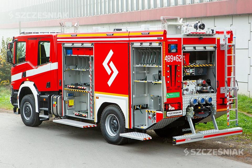 Ciężki Samochód Ratowniczo Gaśniczy SCANIA P