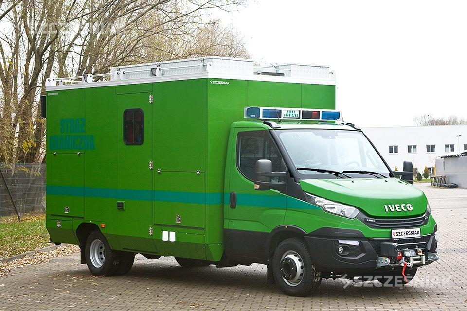 Średni Ambulans Pirotechniczny na podwoziu Iveco Daily 70C18 4x2