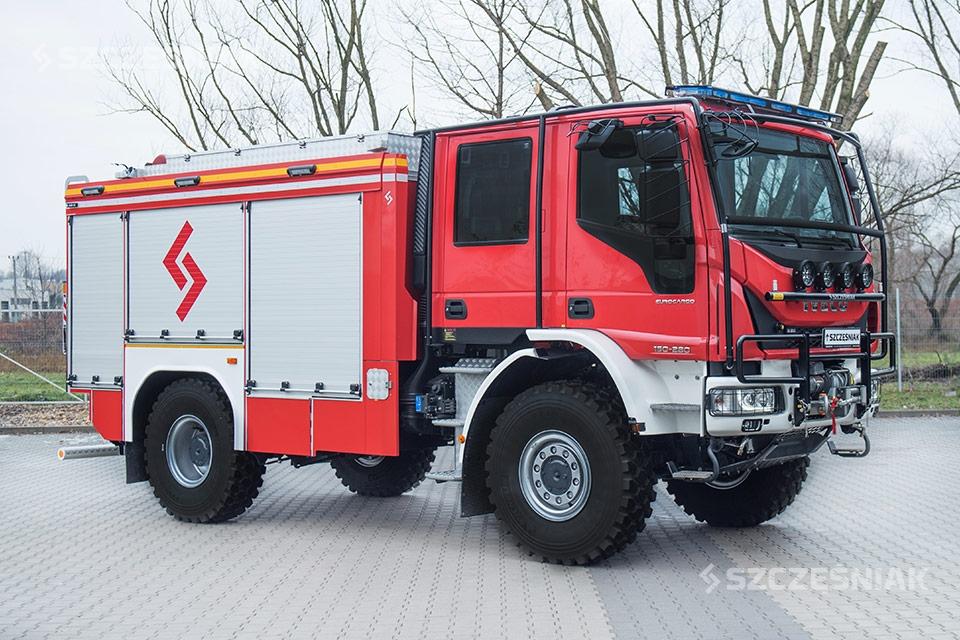 Średni Samochód Ratowniczo Gaśniczy Iveco EUROCARGO 4x4