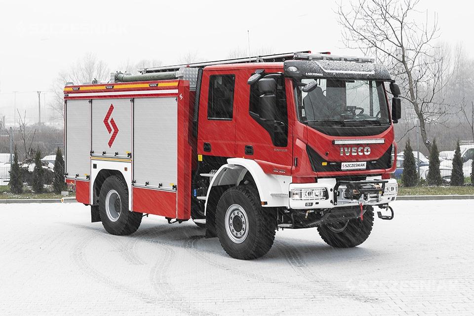 Średni Samochód Ratowniczo Gaśniczy Iveco EUROCARGO 4×4