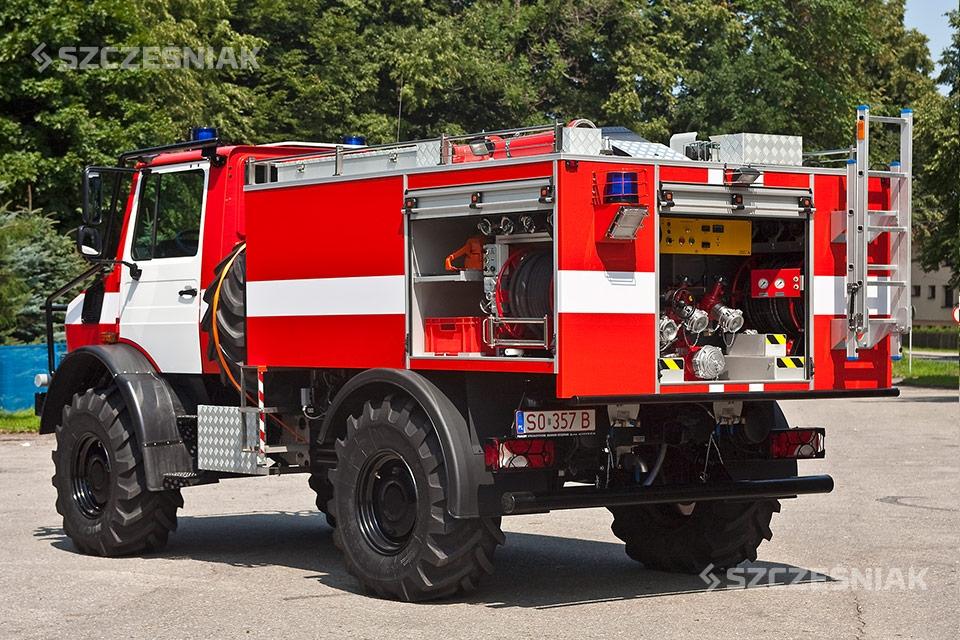 Średni Samochód Ratowniczo Gaśniczy Mercedes Benz Unimog U5023 4×4