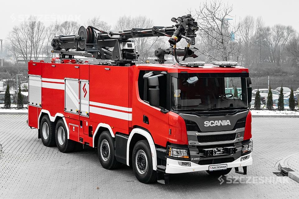 Ciężki samochód ratowniczo gaśniczy SCANIA P450 8×4